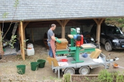 Mobile apple press